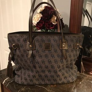 Dooney and Bourke Large Signature Tote
